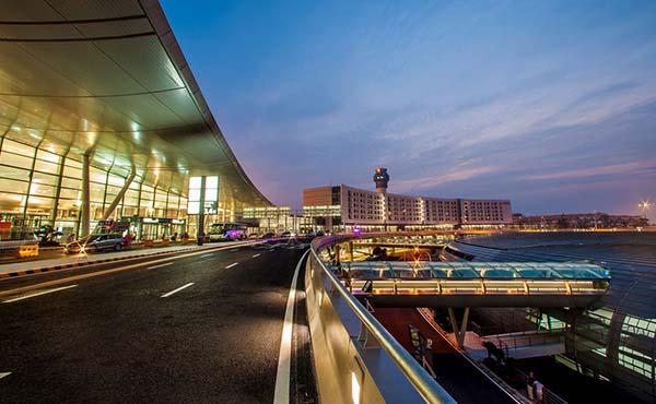 南京機場太空艙休息區